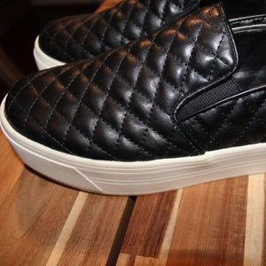 Slip on quilted platform sneakers, black, size 9.5